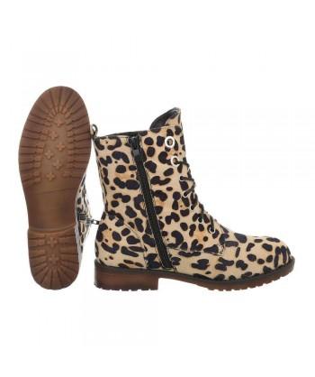 Gležnarji v leopardjem vzorcu iz nove kolekcije