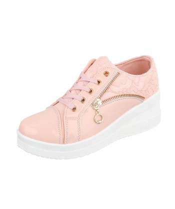 Modni čevlji s čipko in platformo