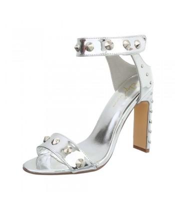 Sandali srebrni z visoko modno petko in dodatki 2020